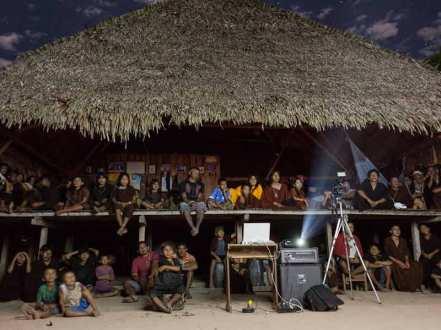 creative_economies_31_ Os cineastas Indígenas produzem Programação infantil no Brasil